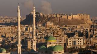 Aleppo battle: Syria rebels 'withdraw from old city'