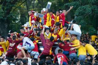 Black Nazarene procession draws 1.5 million to Manila