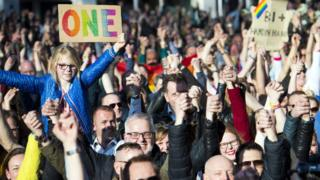 Dutch protests against attack on gay couple holding hands