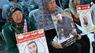 Israel rules out talks with Palestinian hunger striking inmates